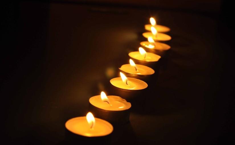 Гадаене със свещи